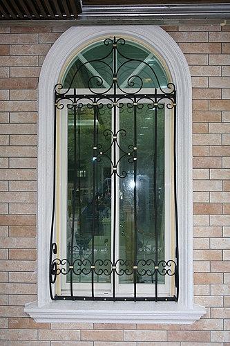 窗户外观锻造 - 佳恩企业社商品实绩(建筑世界)-门花