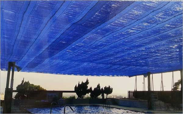 游泳池電動遮陰網