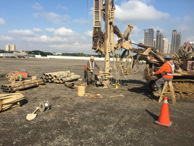 地質鑽探工程