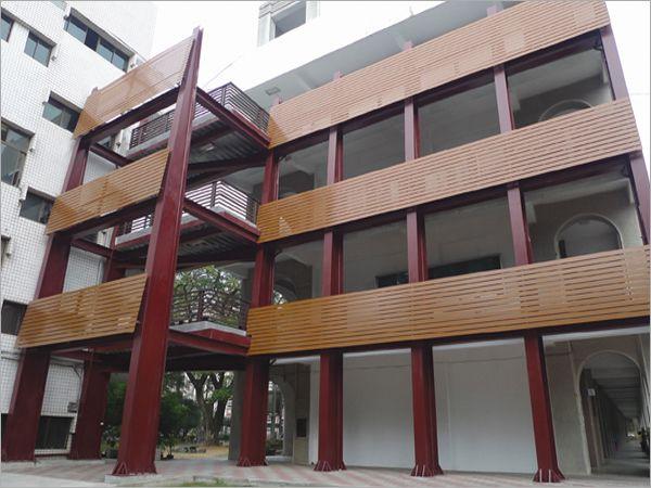到公共建设的造型钢构建筑
