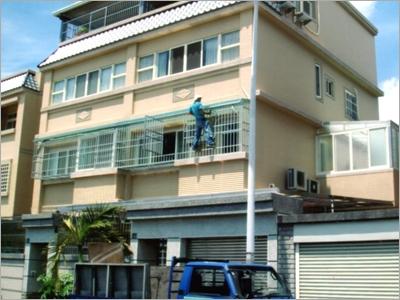鋁氣密窗、鐵皮屋、玻璃採光罩、不鏽鋼防盜窗、電動快速捲門