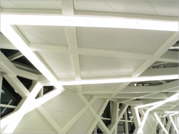 氟碳烤漆沖孔天花板工程