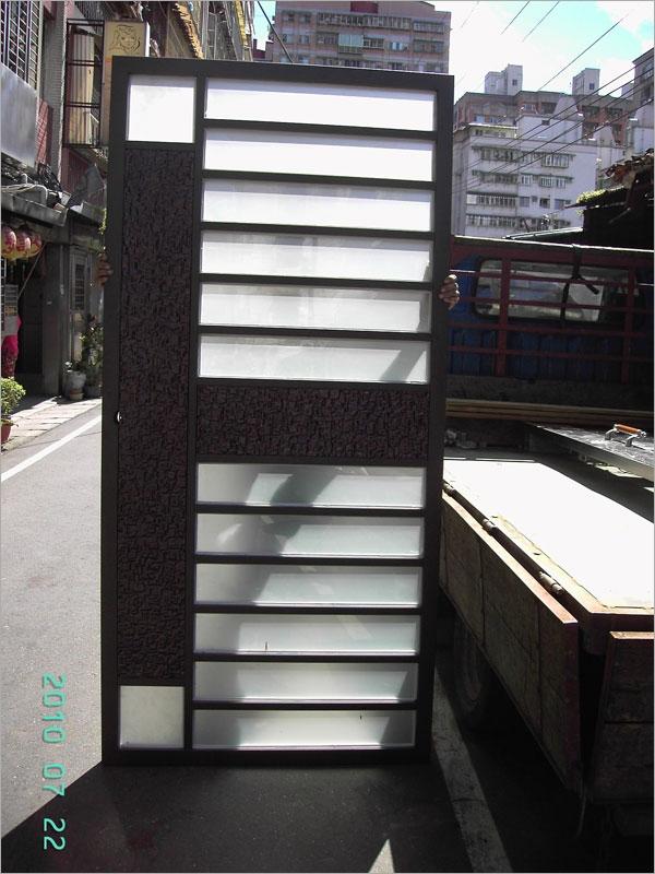 社區造型門