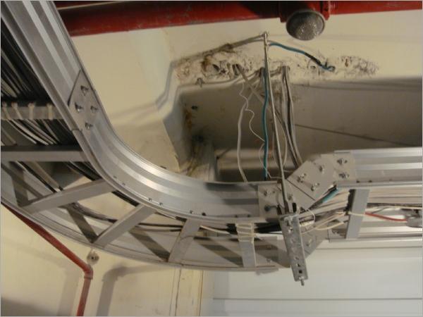 地下室天花板樑柱接縫防水工程