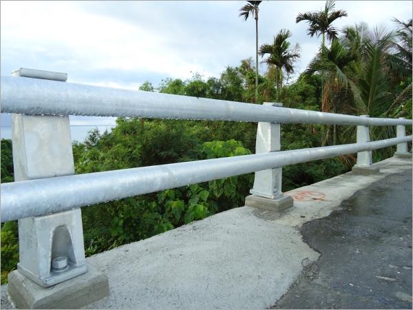 橋梁鋼管護欄工程