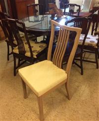 客製化訂製實木餐桌椅
