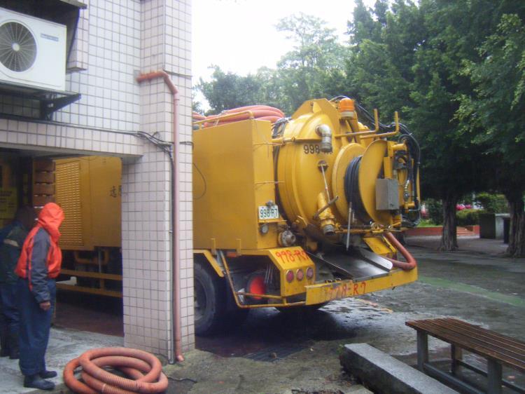 管線清洗設備車