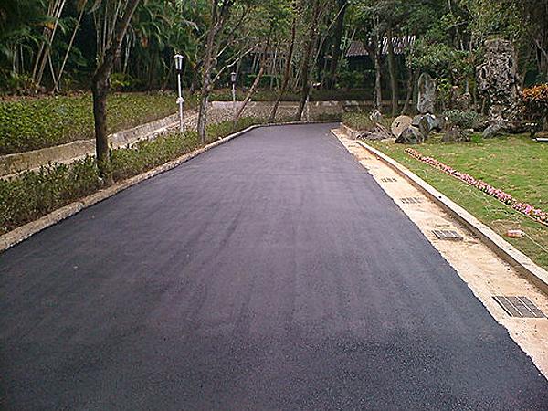 柏油瀝青路面舖設完工