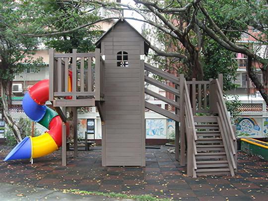 塑木樹屋造型遊具