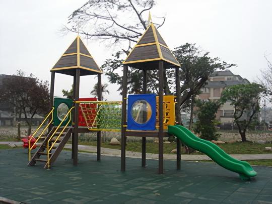 塑木造型遊具