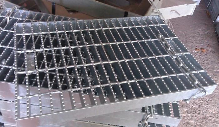 鋸齒型格柵板