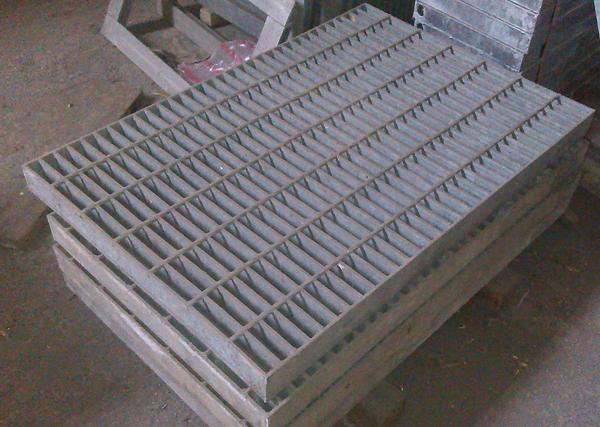 鍍鋅格柵蓋、鍍鋅格柵板