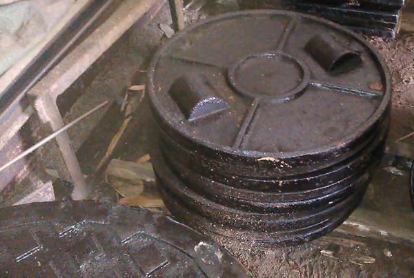 鑄鐵蓋、鑄鐵人孔蓋、鑄鐵水溝蓋