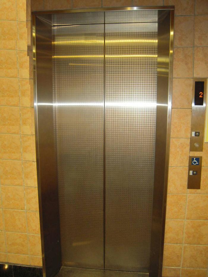 老舊電梯更新拉皮