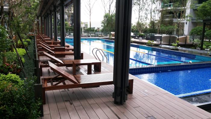 四季長虹-泳池地板