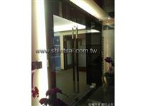 鋁合金隔間玻璃工程02-2967-9869、鋁框隔間.玻璃拉門.屏風玻璃安裝