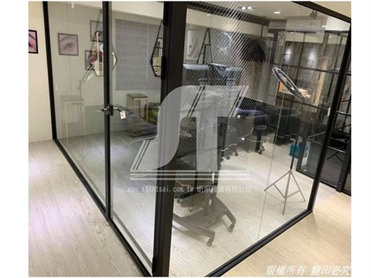 鋁框隔間02-2967-9869、鋁框隔間門、懸吊門、百貨裝潢