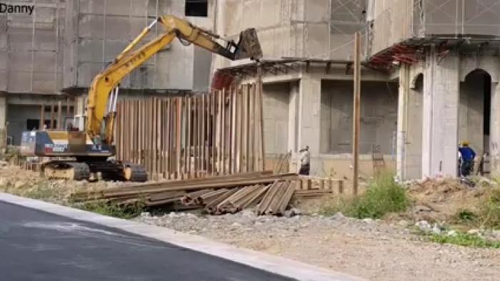 挖土機.怪手出租-120型怪手打樁工程