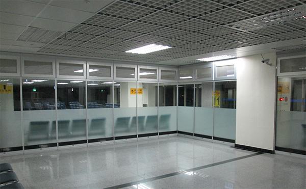 玻璃滑動隔間02-2701-3938