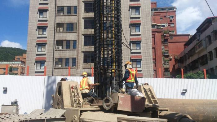 基樁鋼筋籠管口搭接