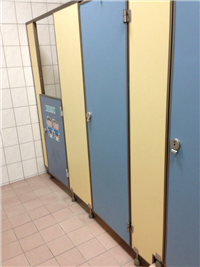 浴廁隔間、隔間搗擺、廁所隔間