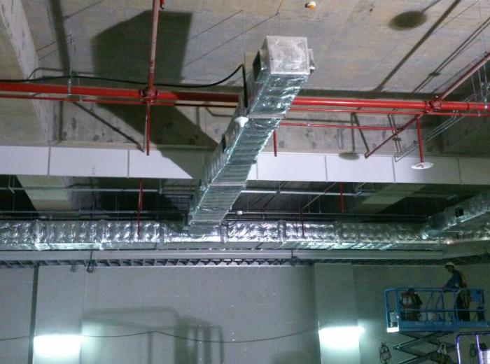 大樓停車場活動式防煙垂壁