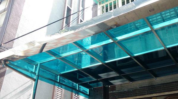 玻璃採光罩維修
