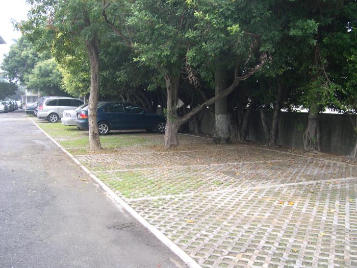 植草磚實績 - 停車場