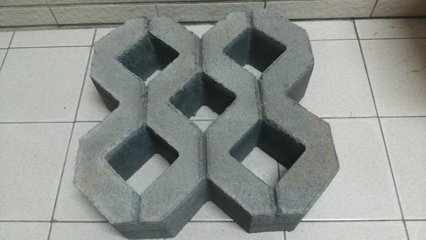 五孔植草磚