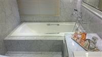 浴室大理石(淡紋雕刻白)