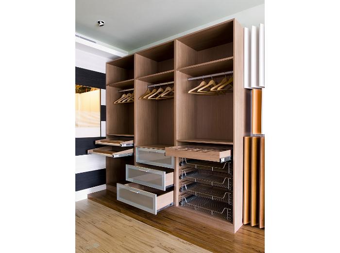 更衣室系統櫃配件 裝潢工程實績 建築世界資訊網站-建材廠商資料庫查詢、網頁設計。