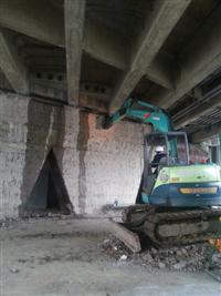 挖土機.怪手出租-橋墩防水層刮除