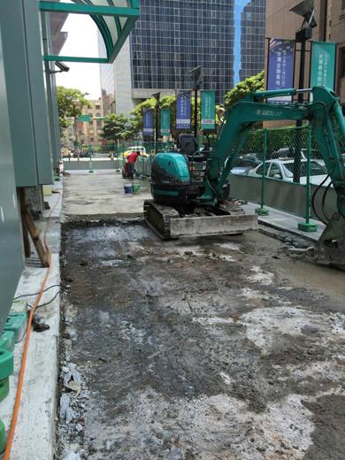 人行道混凝土打除