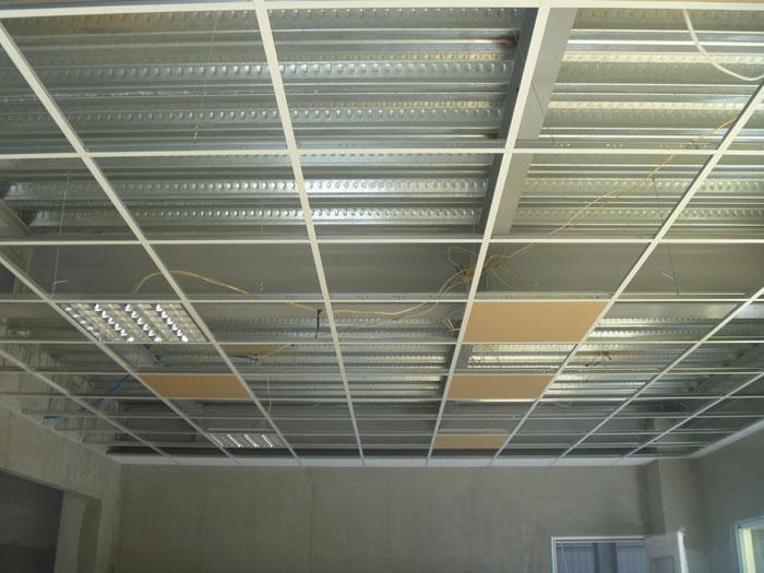 明架輕鋼架天花板(施工照)