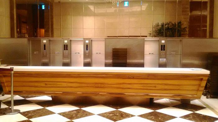餐廳送菜梯