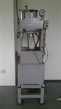 中古油壓機