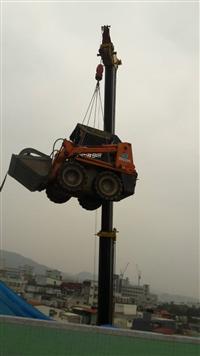 拆除工程機械現場吊掛作業