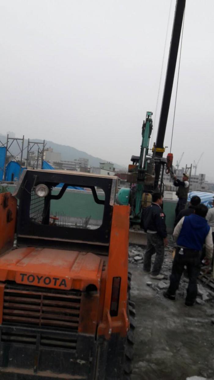房屋拆除機械施工作業
