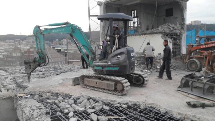 鋼筋混凝土樓板機械破碎拆除