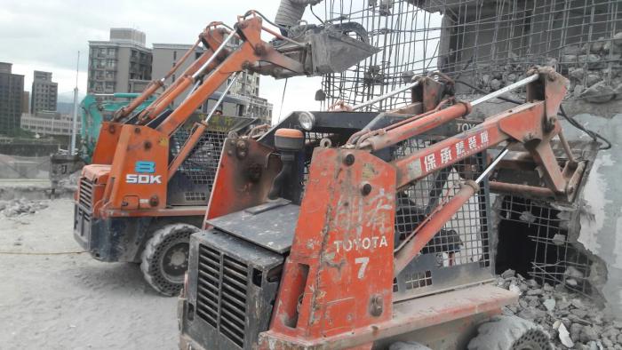山貓機械拆除工廠