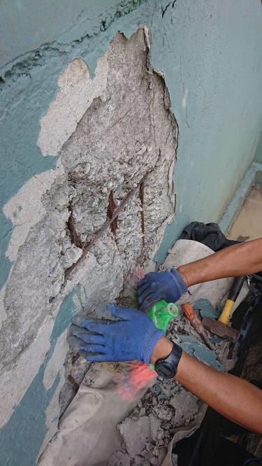 清除頂板膨空處與鋼筋鏽模轉化劑塗抹