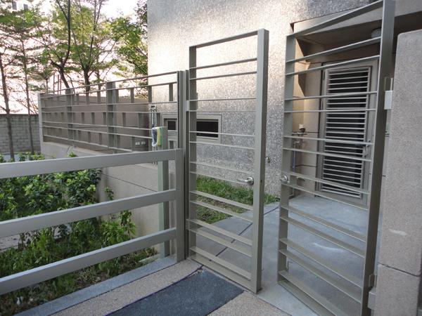 金屬造型欄杆、造型大門、扶手欄杆烤漆