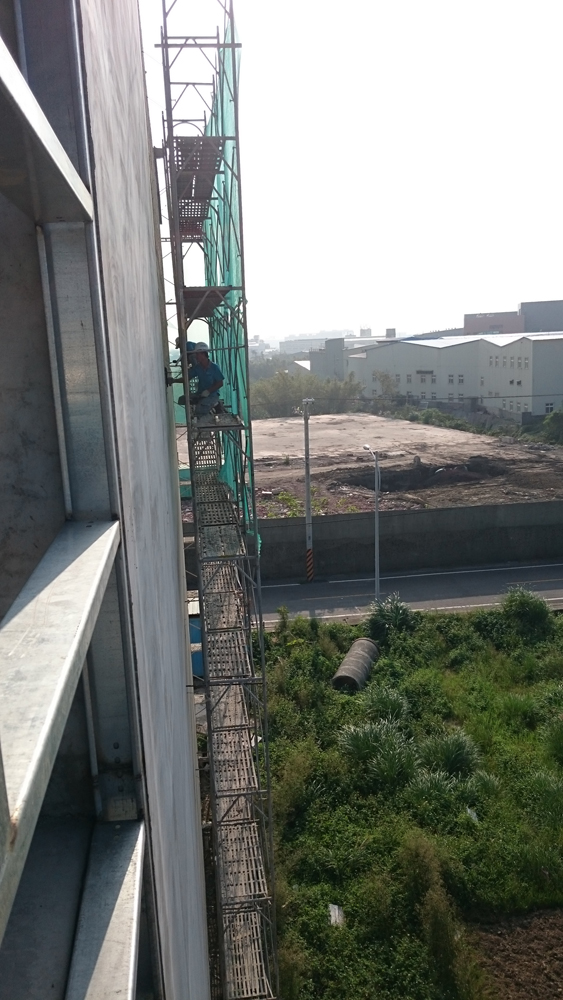 新建案層縫施工縫窗框防水