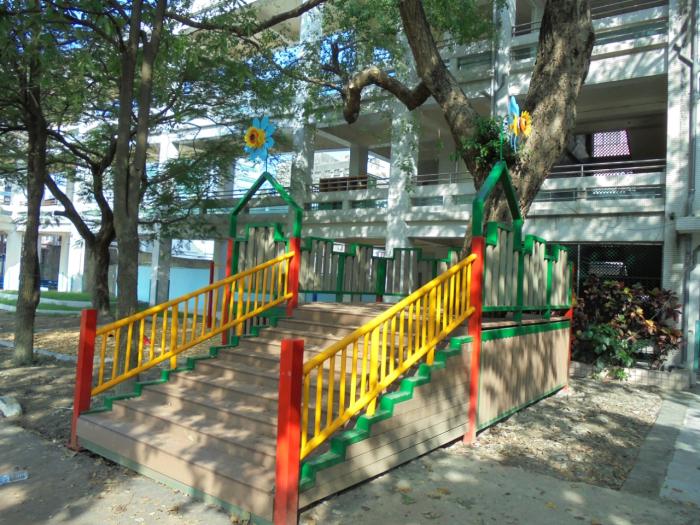 高架樹屋平台