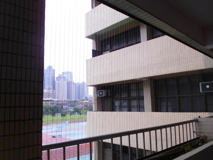 學校走廊安全防護網―隱形鐵窗