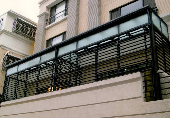 H型採光罩+防盜鋁管窗