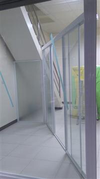 玻璃淋浴拉門