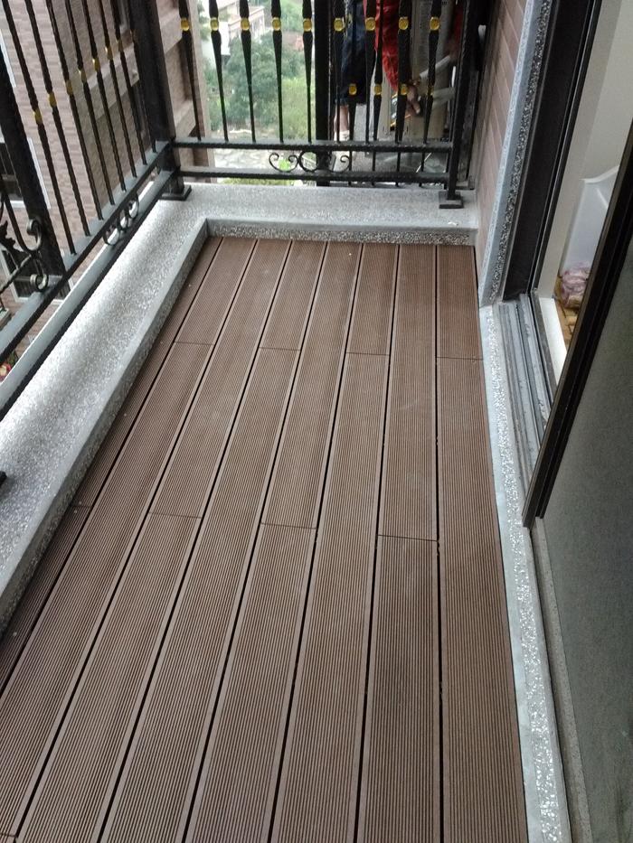 陽台塑木地板