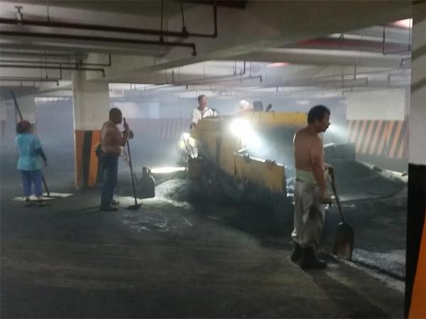 地下室停車場鋪設瀝青混凝土-2
