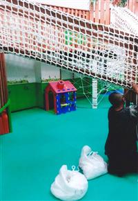 幼兒攀爬網